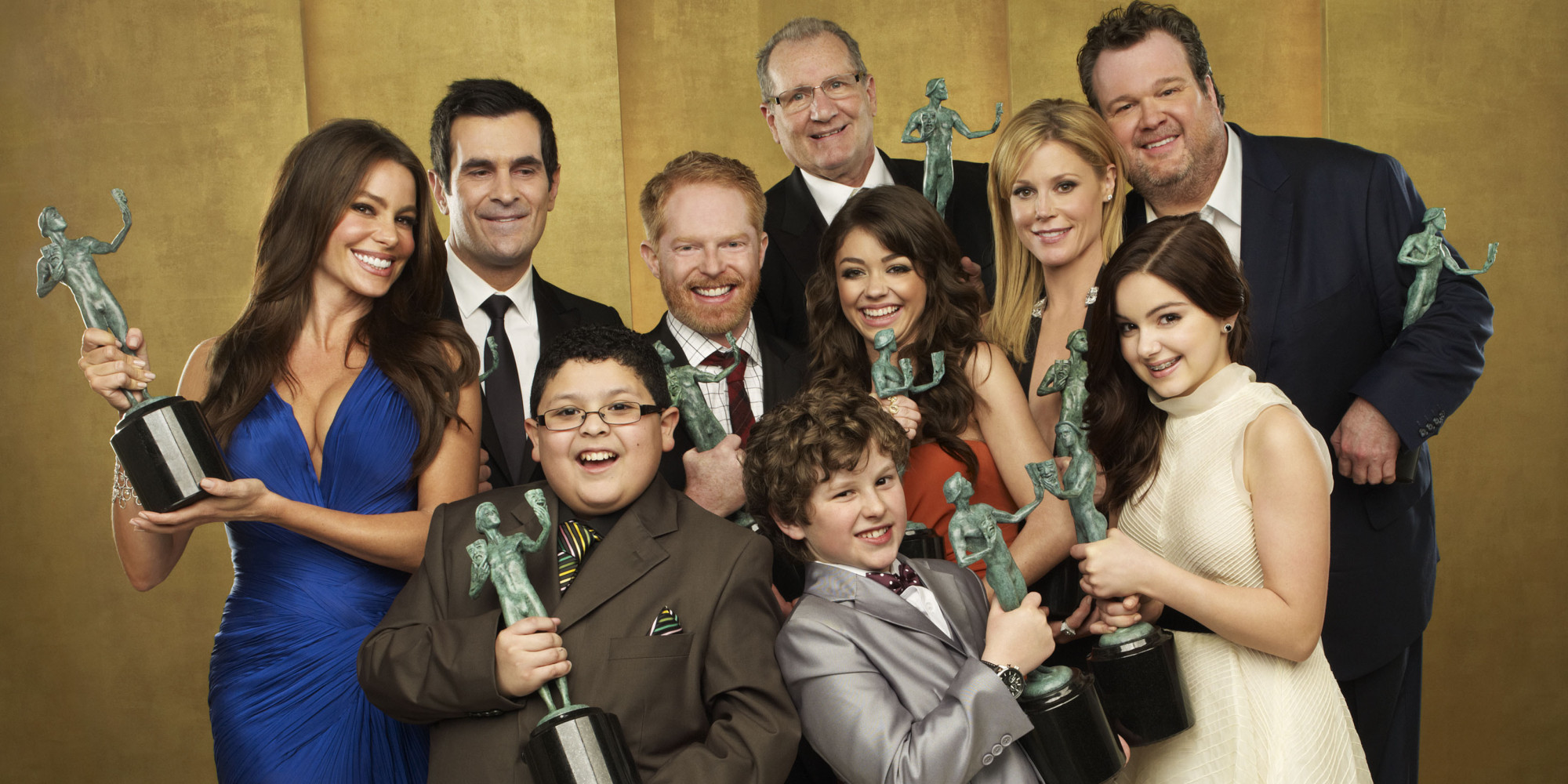 "(EXCLUSIVE, Premium Rates Apply) (Exclusive Coverage)  The cast of ""Modern Family"" pose for a portrait at the TNT/TBS broadcast of the 17th Annual Screen Actors Guild Awards held at The Shrine Auditorium  on January 30, 2011 in Los Angeles, California. 20823_002_254_R.jpg *** Local Caption ***"